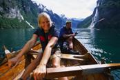 Rowing in the Geirangerfjord © Terje Rakke/Nordic Life AS/Fjord Norway/Destination Ålesund & Sunnmøre
